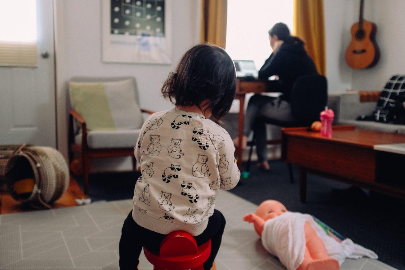 working parents children isolation